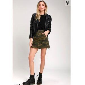 Blank NYC Chain of Command Green Camo Mini Skirt